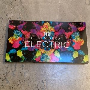 Other - Urban Decay Electric Pallet